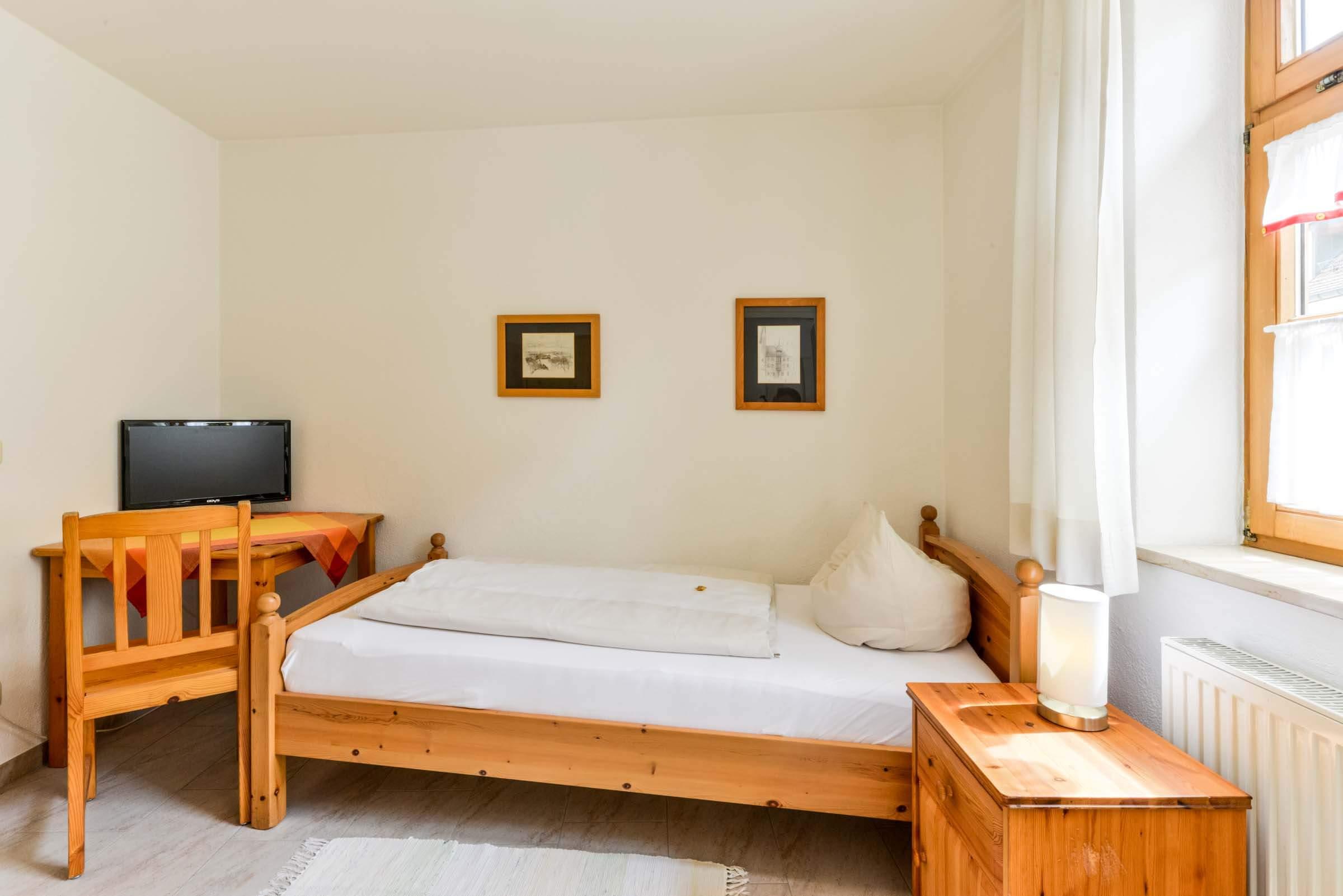 Gästehaus-am-Turm-Einzelzimmer-3